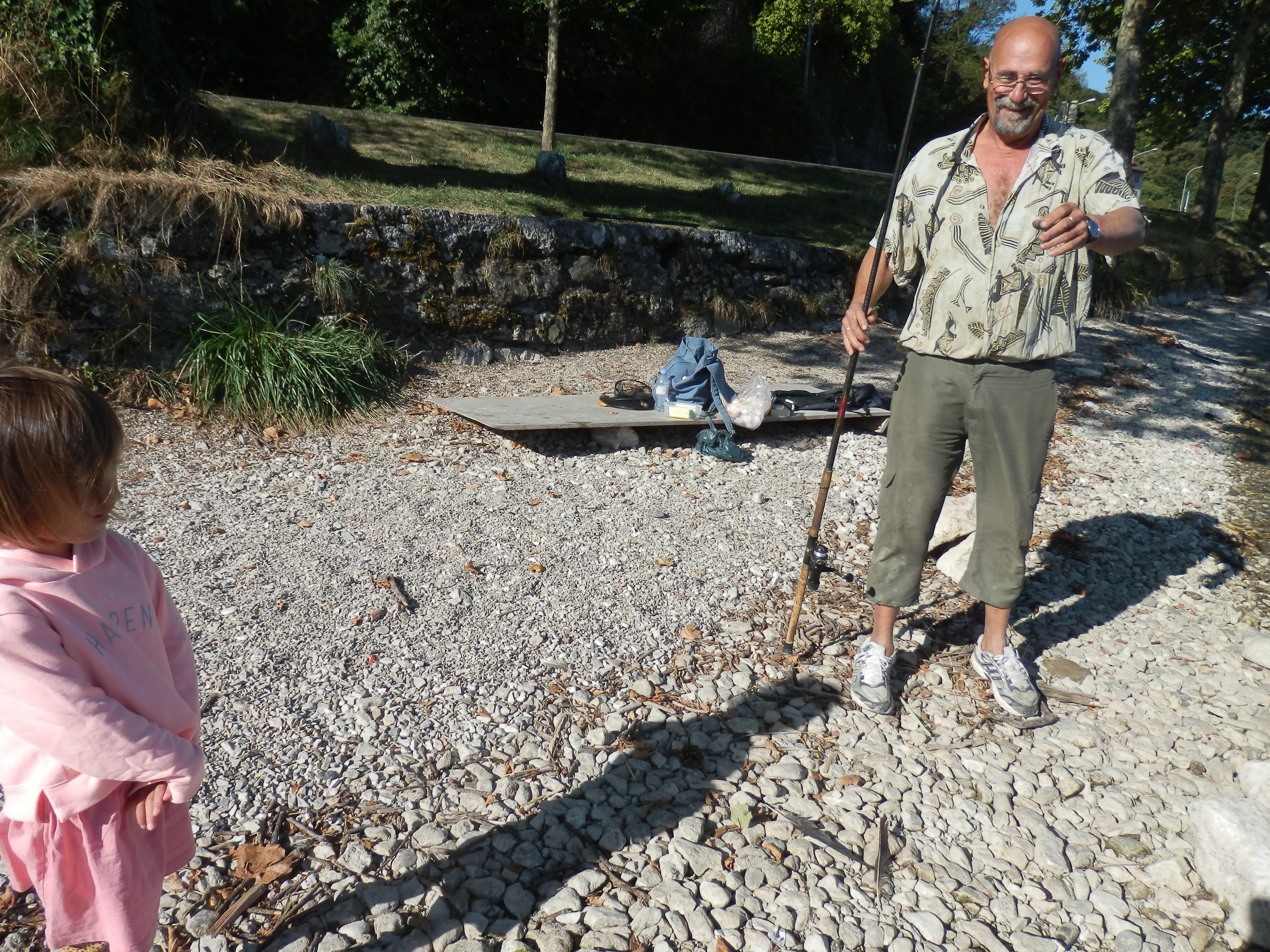 Câu cá bên hồ Annecy