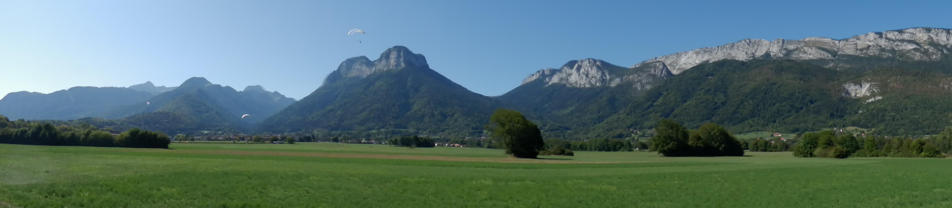 Toàn cảnh núi non